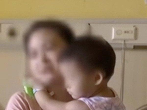 Bé gái 2 tuổi sống sót kỳ diệu sau khi rơi từ tầng 17