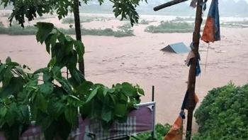 Tin Bộ Ngoại giao: Điện thăm hỏi lũ lụt của Quốc vương Thái Lan