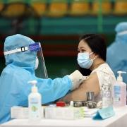 Phân bổ vaccine đảm bảo không phân biệt giữa lực lượng y tế công - tư