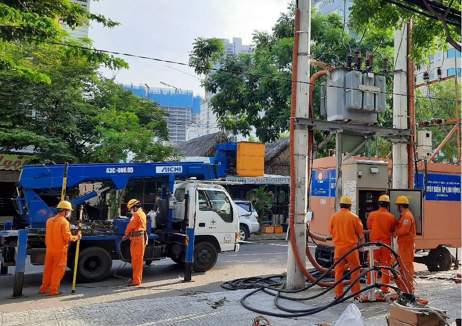 Kết hợp máy biến áp lưu động và sửa chữa nóng khi thao tác lưới điện