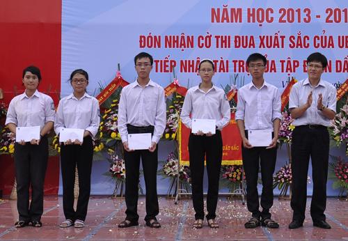 Trường huyện có 5 thủ khoa