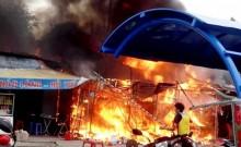 """Bình Dương: Chợ đêm """"Làng đại học"""" cháy lớn"""