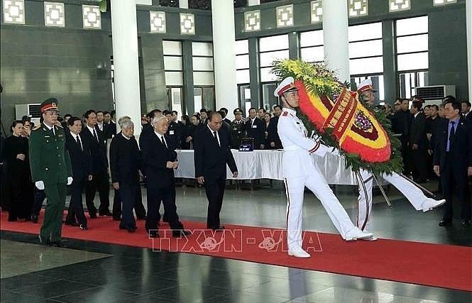 Đoàn BCHTW Đảng Cộng sản Việt Nam viếng Chủ tịch nước Trần Đại Quang