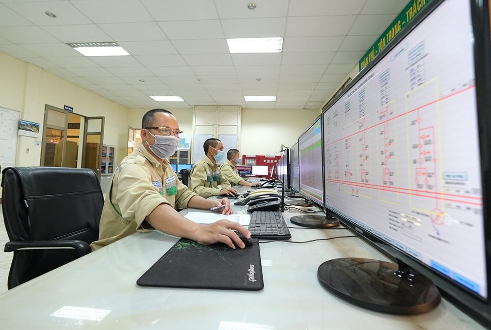 """Trạm biến áp cung cấp gần 25% sản lượng điện cho Thủ đô Hà Nội đảm bảo """"mục tiêu kép"""""""