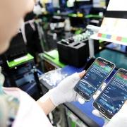Tin tức kinh tế ngày 19/9: Xuất khẩu điện thoại sang Trung Quốc tăng mạnh