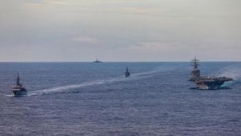 Nhật Bản triển khai 3 tàu tập trận chống ngầm ở Biển Đông