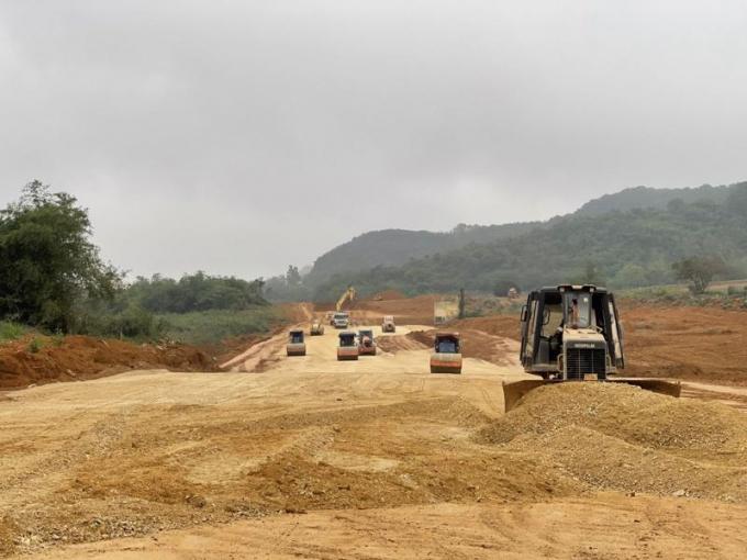 Chính phủ ban hành Nghị quyết tiếp tục gỡ vướng về nguồn vật liệu thi công Dự án cao tốc Bắc - Nam phía Đông