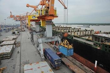 Tin tức kinh tế ngày 22/10: Kim ngạch xuất nhập khẩu tiến gần mốc kỷ lục