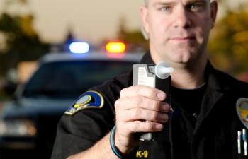 6 ngộ nhận của tài xế về mẹo qua mặt máy đo nồng độ cồn