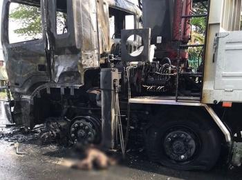 Người đàn ông chết cháy sau khi va chạm với xe tải