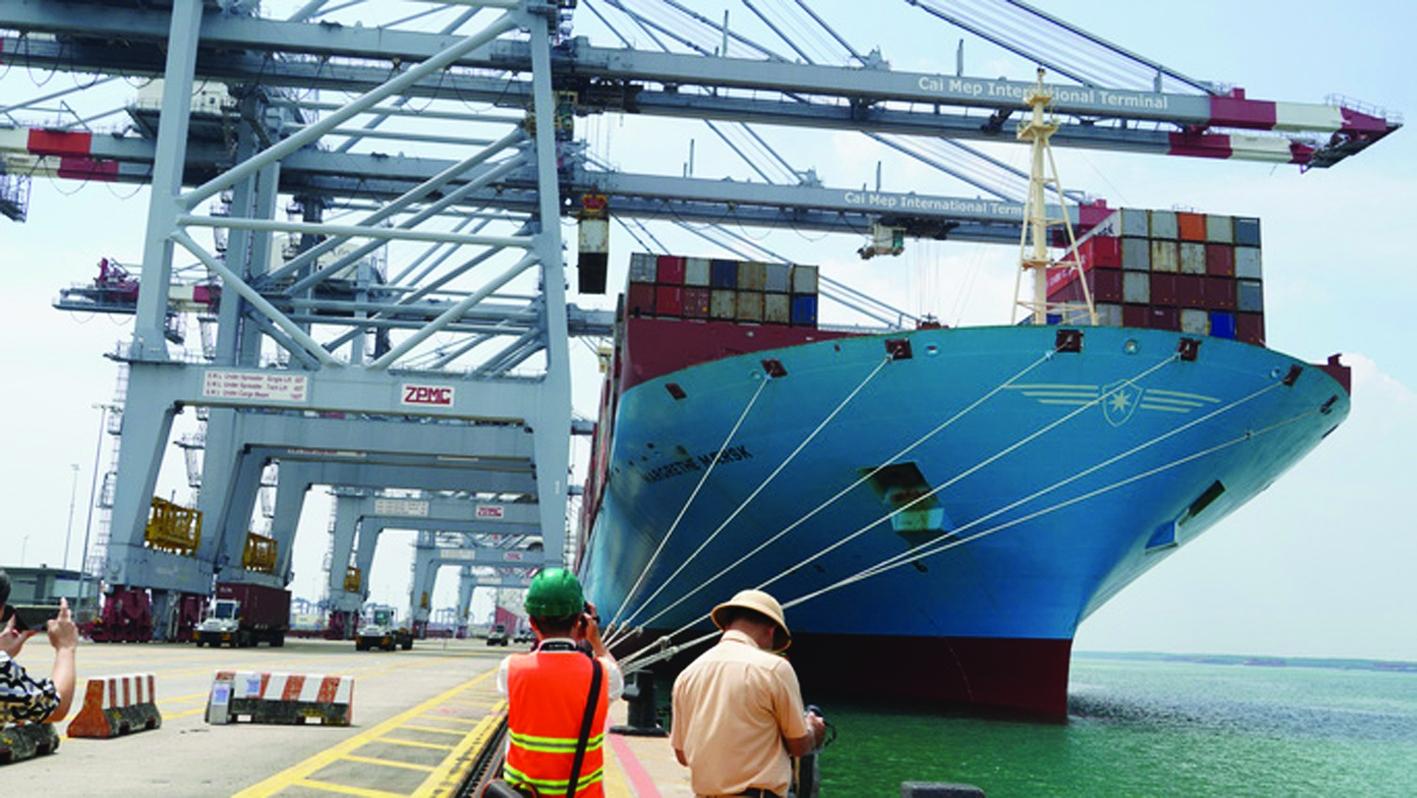 Cảng biển và chuỗi logistics hàng hải quốc tế | Kinh tế vĩ mô