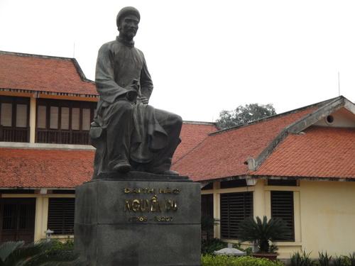 """Trước Nguyễn Du, Tàu đã có """"lời lời châu ngọc"""""""