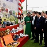 Phó Thủ tướng Trịnh Đình Dũng chủ trì Hội nghị tổng kết xây dựng nông thôn mới