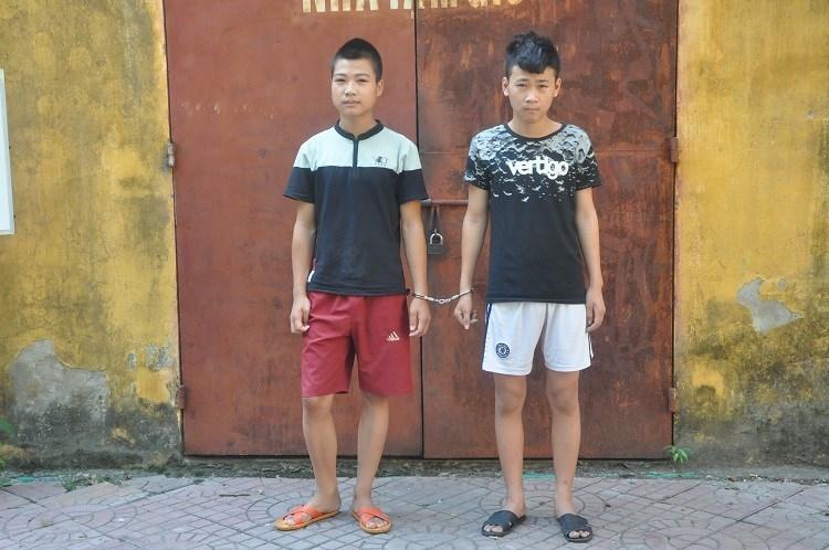 Cảnh sát tóm gọn 2 tên cướp giật điện thoại của người đi đường