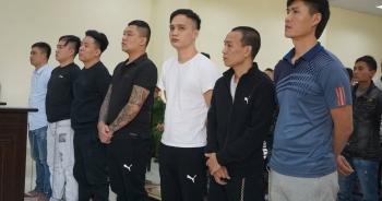 """21 bị cáo trong băng nhóm """"tín dụng đen"""" Nam Long lĩnh 99 năm tù"""