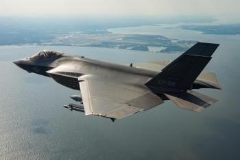 Nhật Bản tiết lộ nguyên nhân máy bay chiến đấu F-35A rơi xuống biển