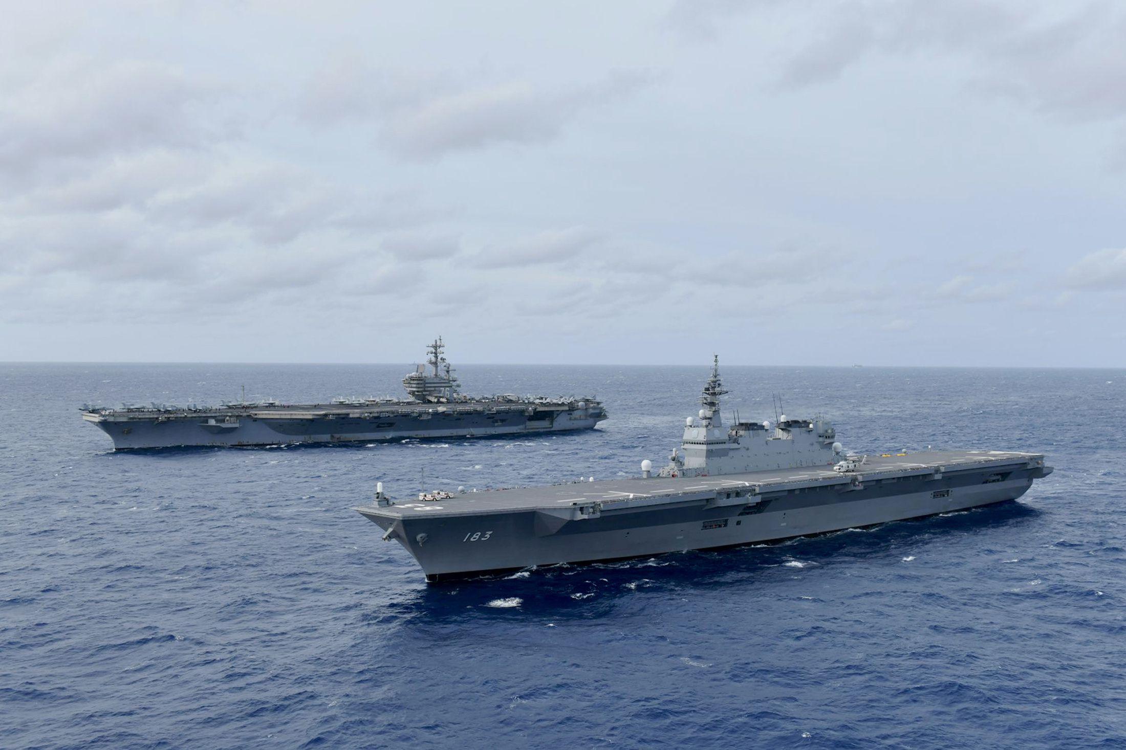 Tàu sân bay Mỹ, chiến hạm Nhật Bản liên tiếp tập trận trên Biển Đông