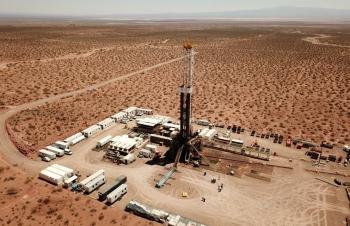 Argentina cân nhắc kiểm soát giá dầu