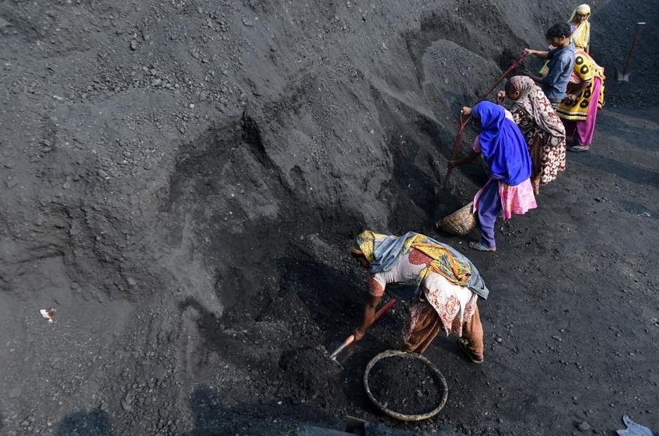 Anh cam kết chấm dứt tài trợ cho nhiên liệu hóa thạch ở nước ngoài