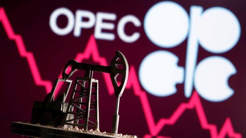 OPEC+ có thể xem xét lại việc tăng sản lượng