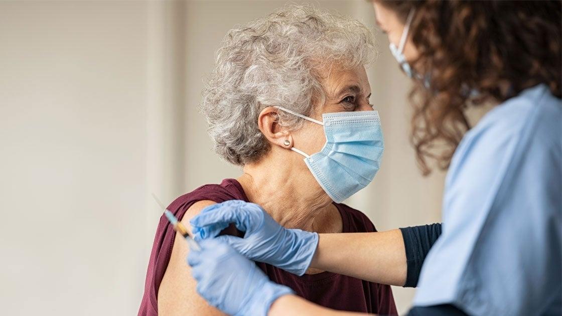 Những đối tượng nào đủ điều kiện tiêm mũi vắc xin tăng cường Pfizer?