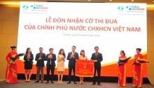 Tân Á Đại Thành đón nhận cờ thi đua của Chính phủ