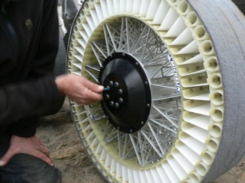 Những công nghệ giữ lốp luôn căng