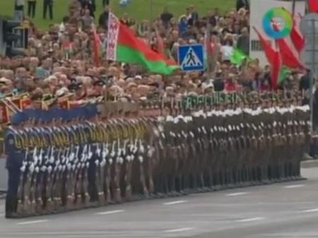 xem binh si belarus tao hieu ung domino voi sung truong