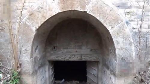 Phát hiện hang bí ẩn, hóa ra chính là mộ cổ của hoàng tử thời nhà Minh