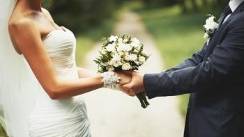 Kết hôn 4 lần, ly hôn 3 lần trong một tháng vì lý do không ai ngờ