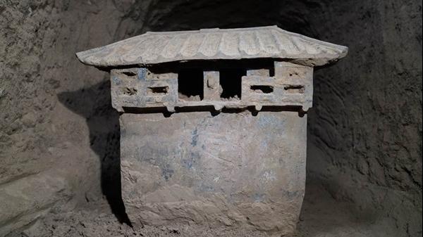 """Khai quật mộ cổ, phát hiện """"lương thực xuyên không"""" suốt 2000 năm"""
