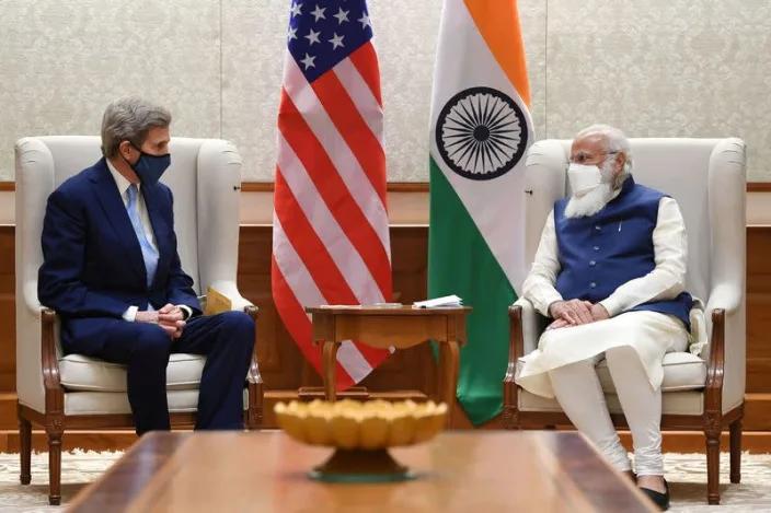 Đặc phái viên Tổng thống Mỹ John Kerry thăm Ấn Độ thúc đẩy chuyển đổi năng lượng sạch