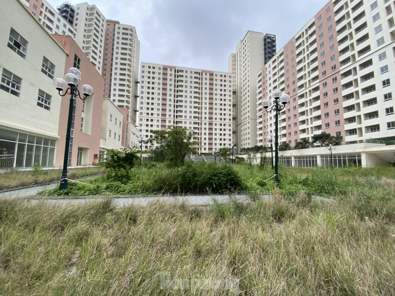 """Gần 4.000 căn hộ tái định cư """"ế ẩm"""": Vì sao doanh nghiệp, người dân không mặn mà?"""