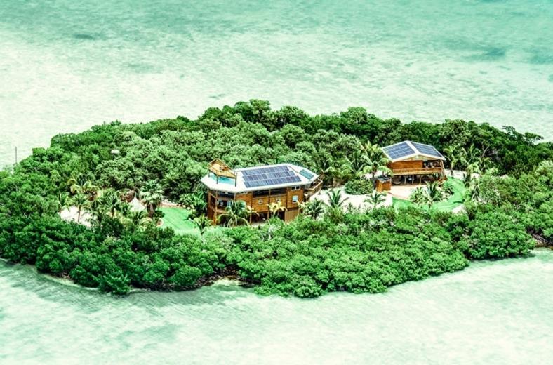 Khám phá ngôi nhà sinh thái trên hòn đảo xinh đẹp