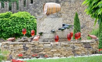 Thành phố rượu vang ngầm của Moldova