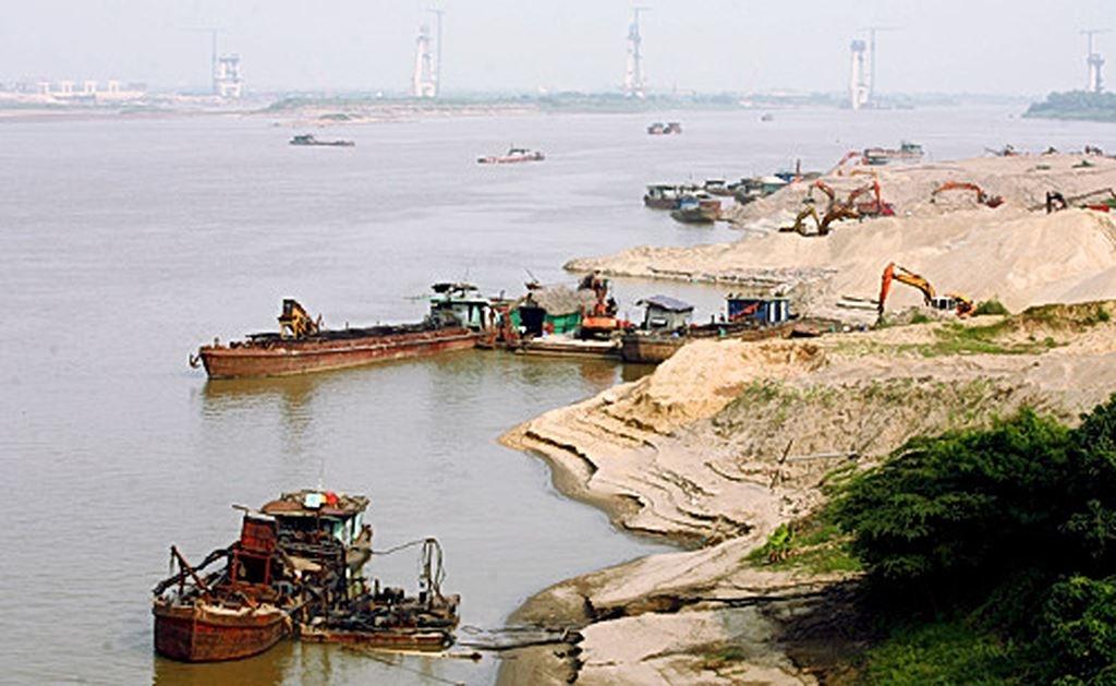 Bắc Giang siết quản lý khai thác cát, sỏi