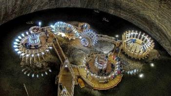 Khám phá Công viên giải trí dưới lòng đất được xây dựng từ một mỏ muối cổ