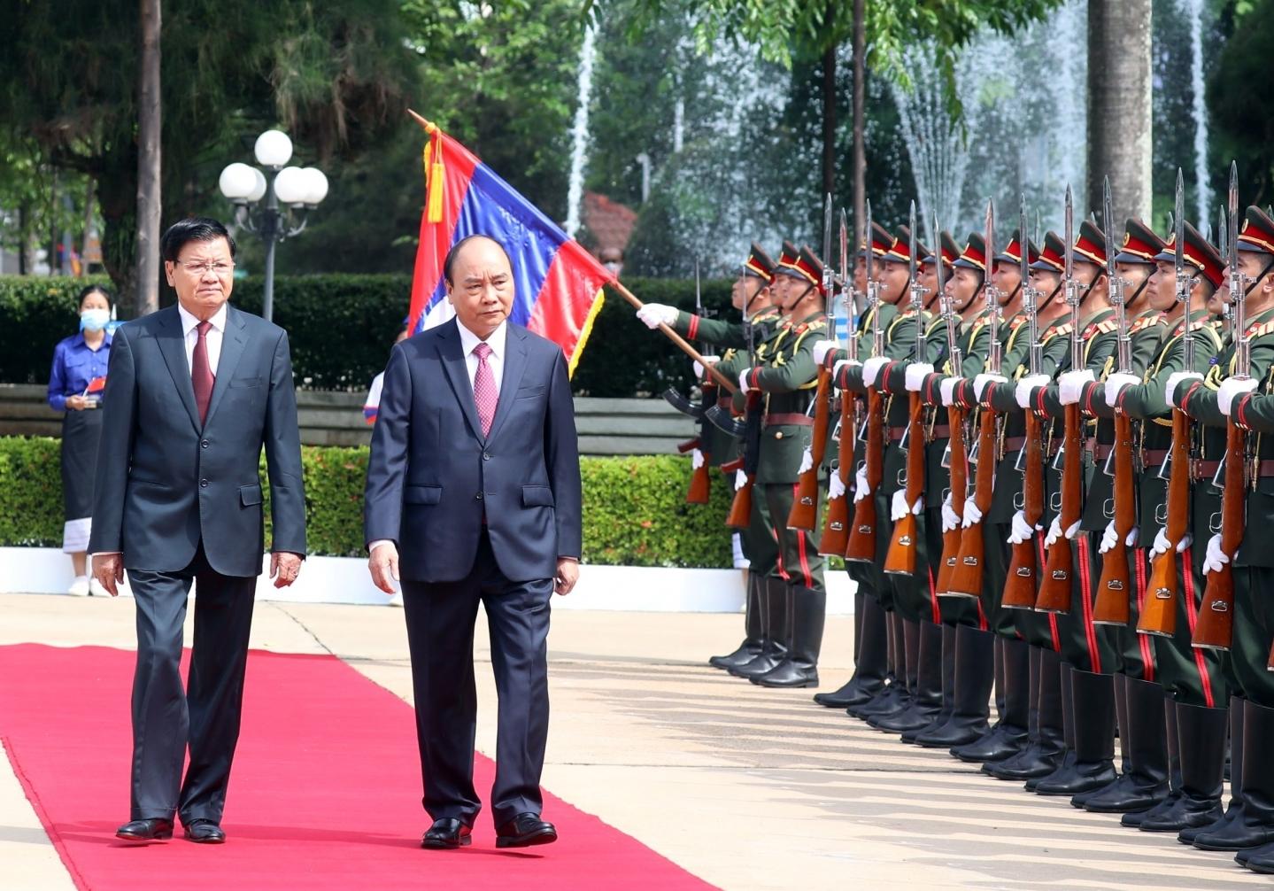 Chủ tịch nước Nguyễn Xuân Phúc hội đàm với Tổng Bí thư, Chủ tịch nước Lào Thongloun Sisoulith