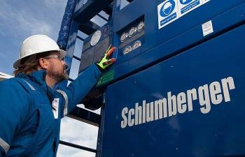Schlumberger bán toàn bộ dịch vụ hydrocracking do khủng hoảng