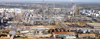Venezuela chật vật với lọc dầu