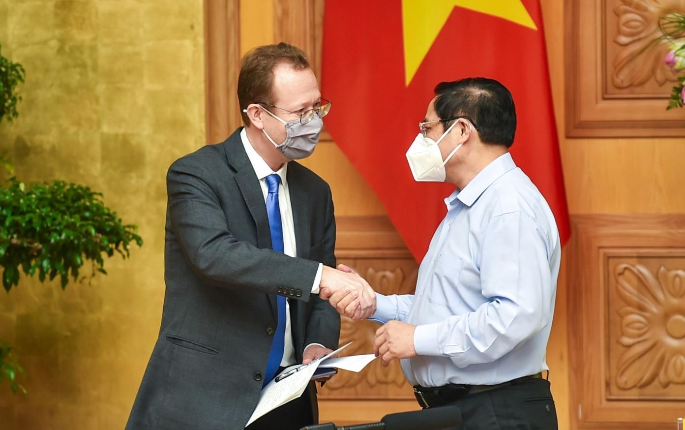 Thủ tướng tiếp Đại biện lâm thời Đại sứ quán Hoa Kỳ và đại diện cộng đồng DN Hoa Kỳ tại Việt Nam