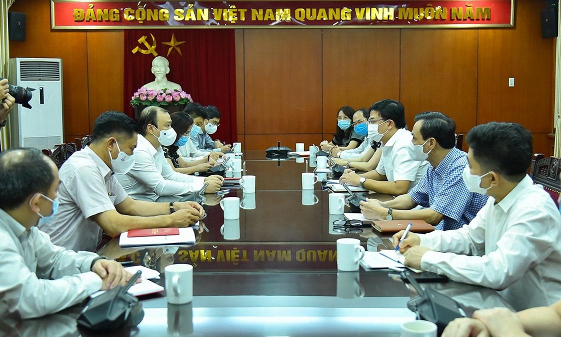 Ban Tuyên giáo Trung ương làm việc với Bộ Ngoại giao