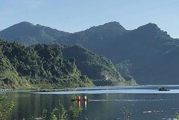 Lên núi chèo kayak