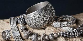 Xu hướng giảm tiếp tục được duy trì trên thị trường kim loại quý