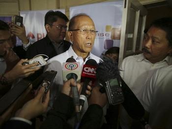 Bộ trưởng Quốc phòng Philippines: ASEAN có thể làm tốt hơn trong vấn đề Biển Đông