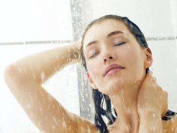 Nếu không muốn đột quỵ hãy bỏ ngay những thói quen tắm này vào mùa đông