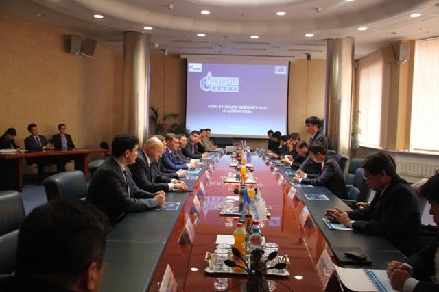Chủ tịch HĐTV Petrovietnam làm việc tại LB Nga