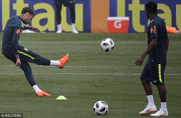 neymar hoi phuc chan thuong than ky san sang cho world cup 2018