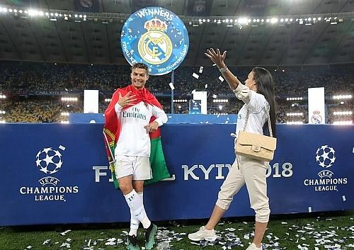 ronaldo champions league nen duoc dat theo ten toi