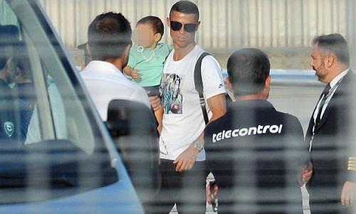 Ronaldo khiến giá vé tại Serie A tăng 700%